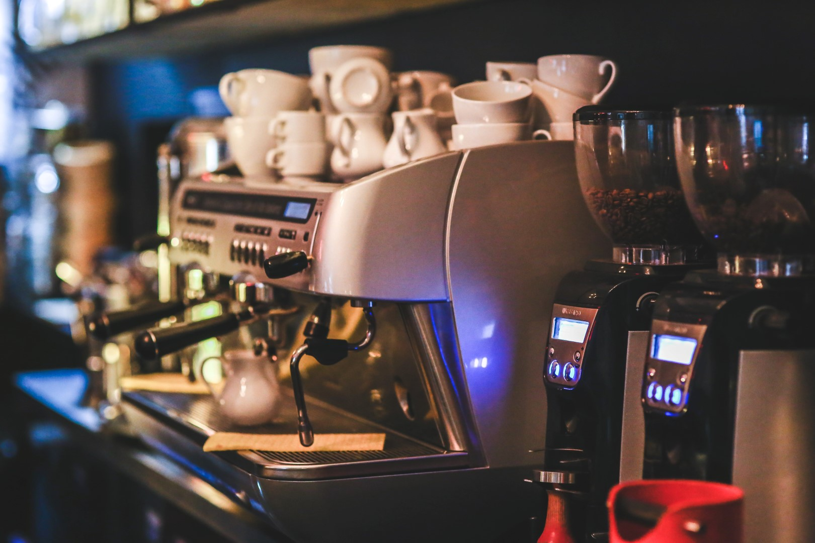//coffeemachinetech.com.au/wp-content/uploads/2018/12/coffee-machine.jpg
